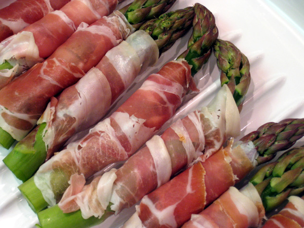 Asparagus Wrapped in Prosuitto