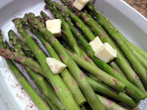 Asparagus with Butter, Pepper and Garlic Salt